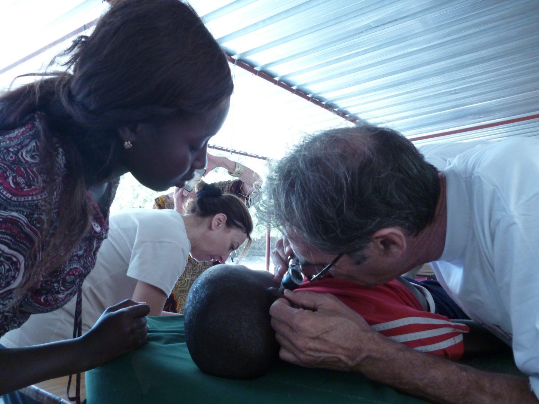 Samben au Cocon de Cabrousse - Médecin examine